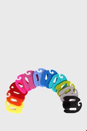 Цветни закачалки за окомплектоване на чорапи