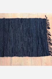 Home Design kis szőnyeg bőrből, fekete