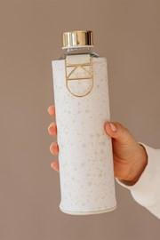 Sklenená fľaša s koženým obalom EQUA Essence 750 ml